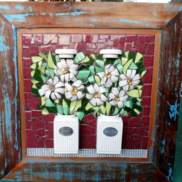 Картина из осколков вазы
