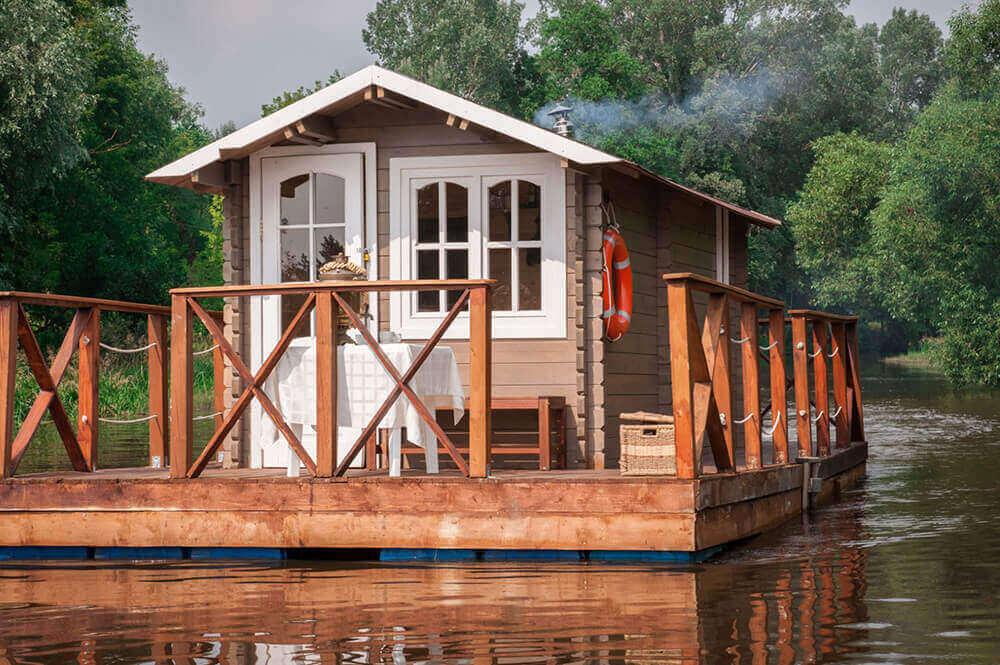 Как правильно строить дом на воде